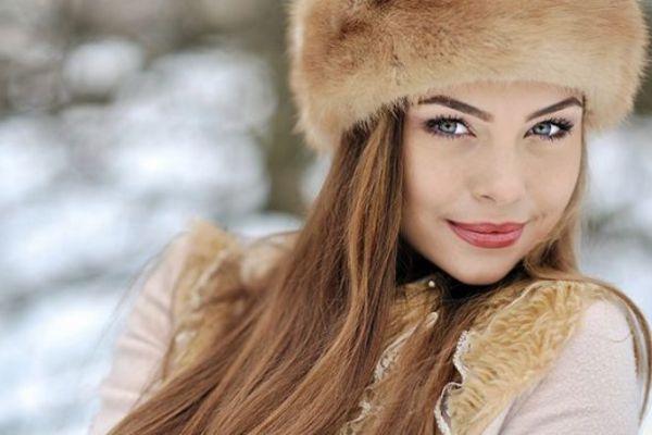 russian-women-header-859x4479F2CB8F5-24B1-FF35-4B62-D99353E036E0.jpg